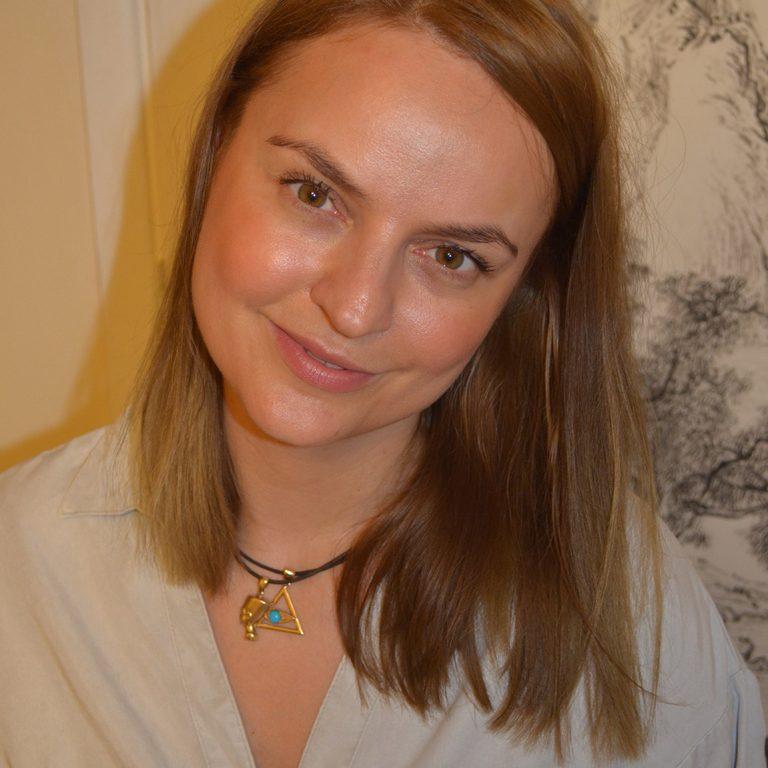 About me Karolina Garlicka Acupuncture Reading
